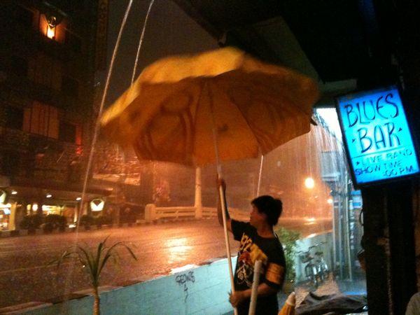 Rainy night on Samsen Soi
